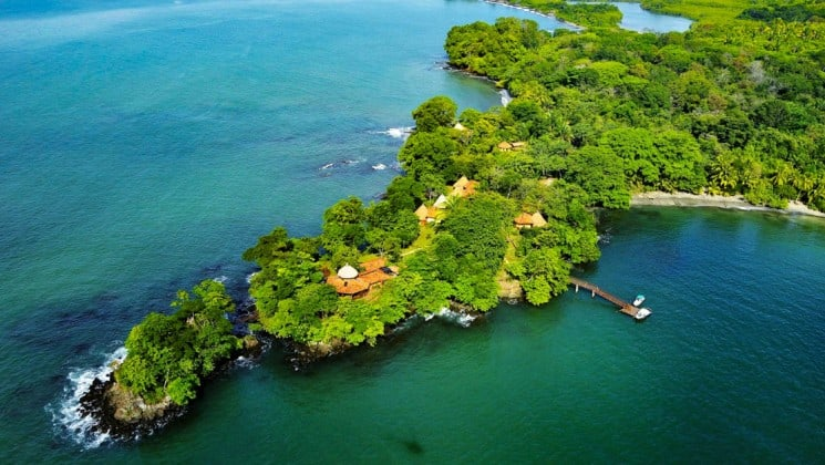 The Cala Mia Boutique Hotel is a luxury eco-island resort located on the lightly populated island of Boca Brava, in the Chiriqui Archipelago