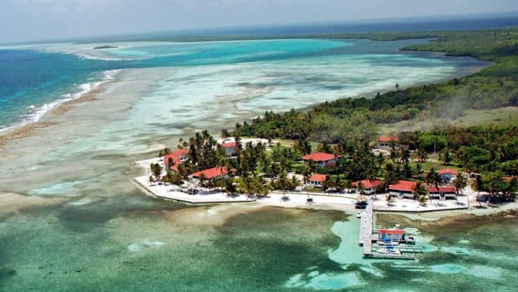 Turneffe Flats, an ecotourism resort on Belize's Turneffe Atoll, is recognized as a saltwater fly fishing, snorkeling, scuba diving and marine destination.