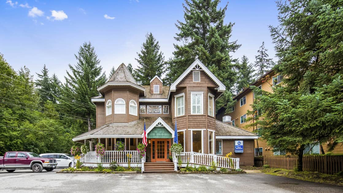 The Best Western Grandma's Feather Bed Hotel is a unique, Victorian-style farmhouse in the Mendenhall Valley in Juneau, Alaska
