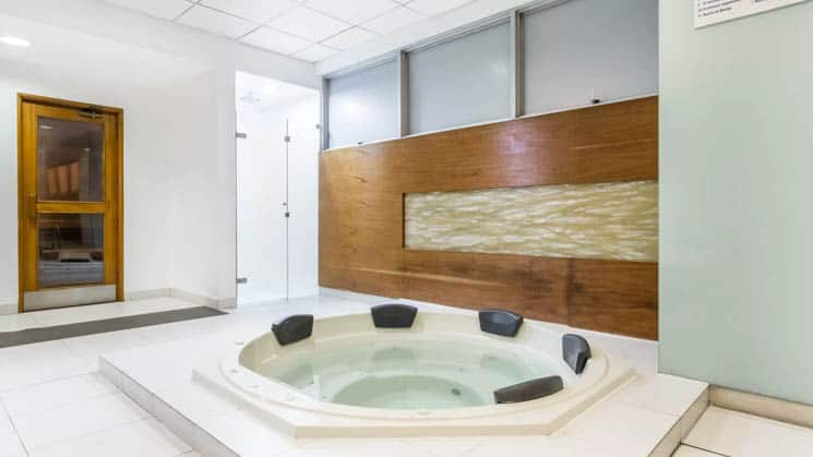 A jacuzzi and indoor sauna at Wyndham Costa del Sol hotel, connected to the Lima International Airport