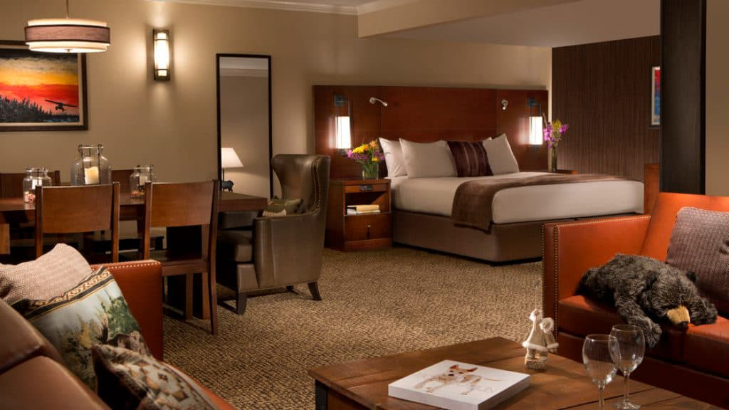 Suite with king bed at The Lakefront Anchorage. Photo by: Sammy Todd Dyess