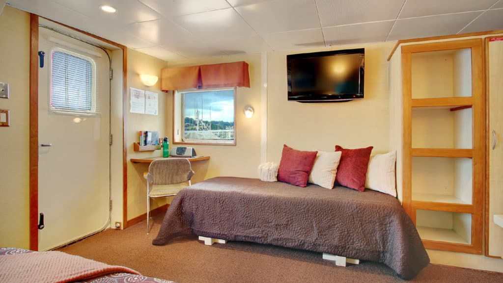 Explorer cabin with triple configuration aboard Wilderness Discoverer