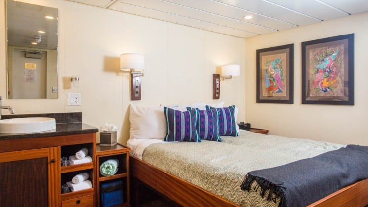 Safari Voyager Admiral Stateroom with queen bed