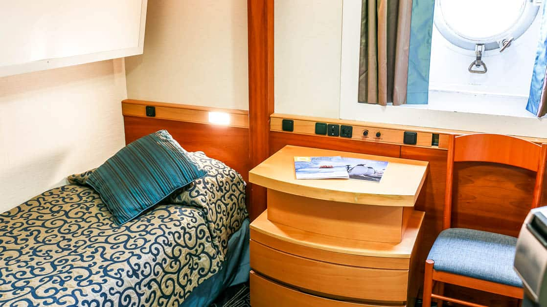 Twin Porthole Upper/Lower cabin aboard Ocean Endeavour. Photo by: JP Mullowney/Quark Expeditions