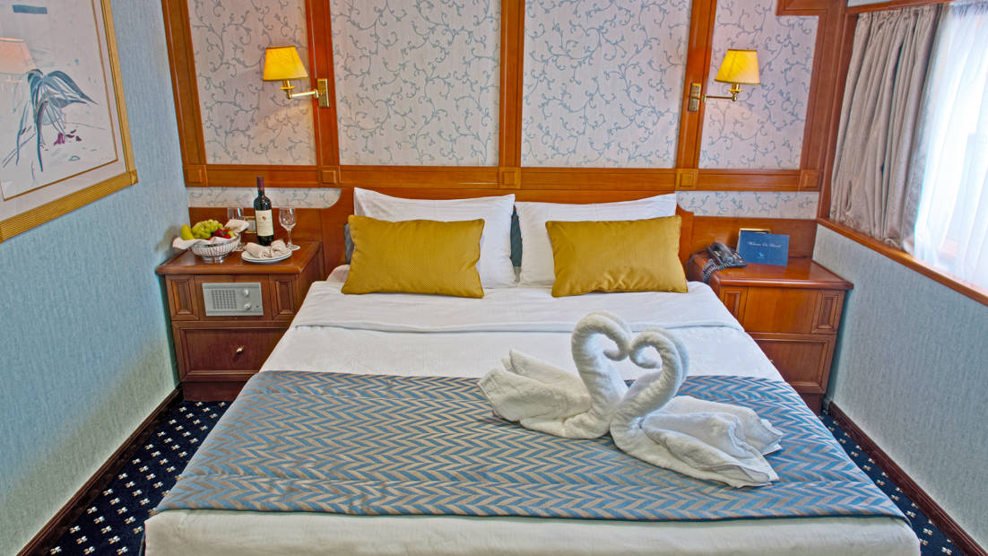 Category P Cabin with double bed aboard Callisto