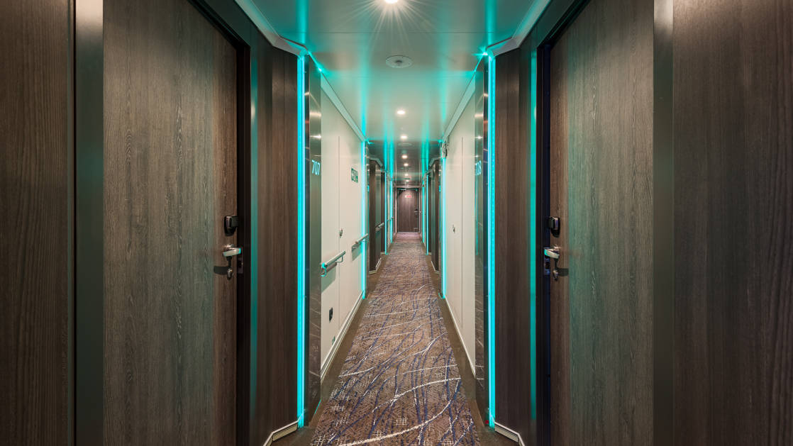 Hallway to staterooms aboard the Hondius and Janssonius