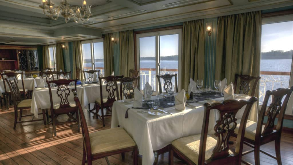 Jahan's dining room accommodates the entire expedition community in a single seating.