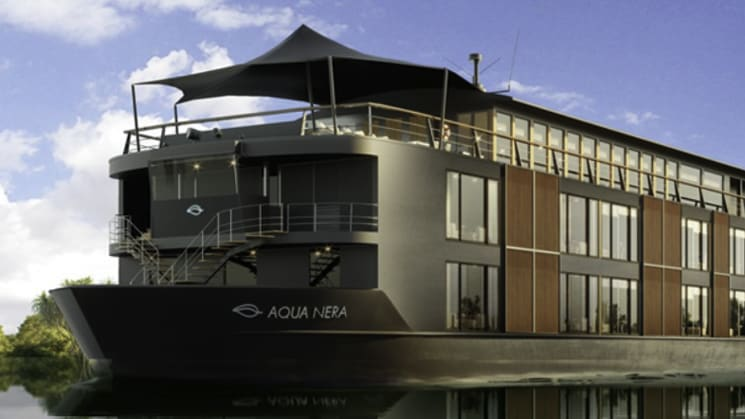 Rendering of the Aqua Nera river boat in the Amazon.