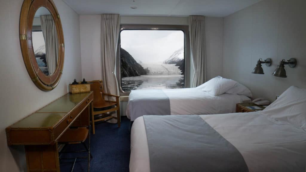 Category B cabin with two win beds aboard Ventus Australis