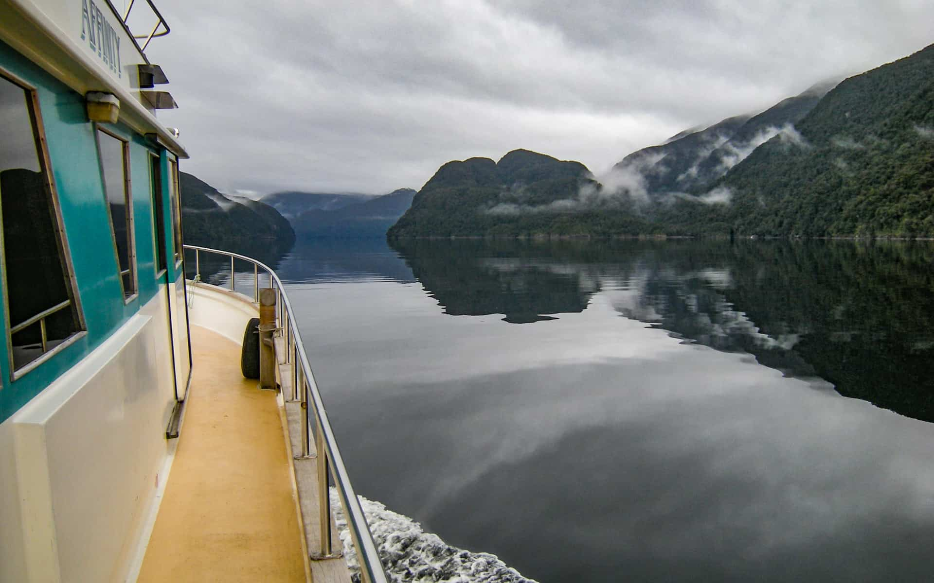 Affinity Fiordland Cruises New Zealand Adventuresmith