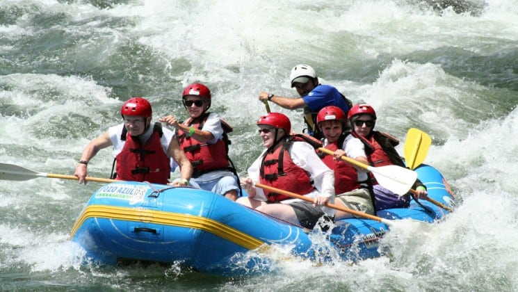 six people on whitewater raft on pacific costa rica trip