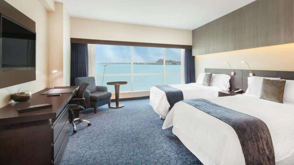 Riverside Room with two beds at Wyndham Guayaquil